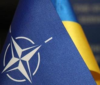 Зеленский: НАТО - единственный путь для завершения войны на Донбассе