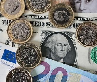 «Второсортные деньги»: почему Европа закрывает счета украинцев?