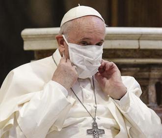 Папа римский сделал прививку от COVID-19