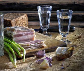 Как жирная пища наносит вред сердечно-сосудистой системе