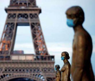Франция допускает третью волну эпидемии COVID-19 после праздников