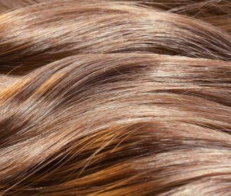 Исследователи объяснили, почему при стрессе уменьшается объем волос
