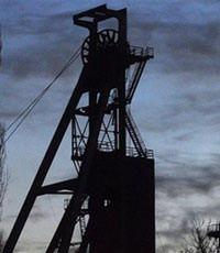 Власти Донецка: под землей в донецкой шахте остаются 32 горняка