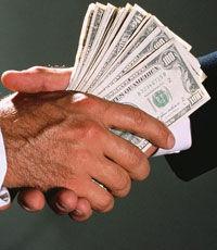 Налоговая является лидером по количеству поступающих жалоб бизнеса – Гройсман