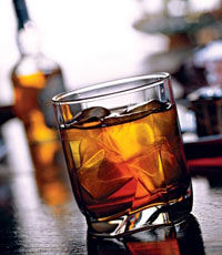 Производитель виски выпустит «умную» бутылку (видео)