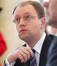 Яценюку хочет закон о госзакупках