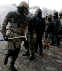 Самооборона Майдана не пропустила участников факельного шествия через Майдан (дополнено)