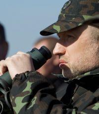 Турчинов: передвижение через линию столкновения на Донбассе будет ограничено