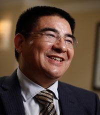 Китайский миллиардер пригласил на обед тысячу американских бедняков