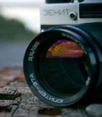 Медведев собрался возродить фотоаппарат «Зенит»