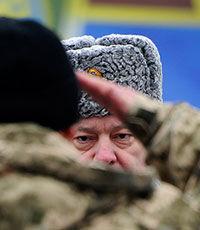Порошенко подписал три закона об усилении ответственности военнослужащих и мобилизованных