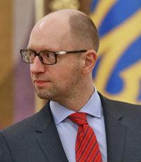 Яценюк призвал глав городов, ОГА и РГА обеспечить подготовку школ к зиме