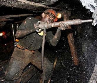 Правительство дополнительно выделит 1 млрд на зарплаты шахтерам