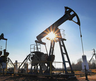 Цена нефти Brent поднялась выше 49 долларов за баррель