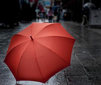 Прохладная и дождливая погода идет в Украину