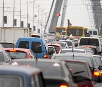 Специалисты называют причиной смога в Киеве выхлопные газы автотранспорта