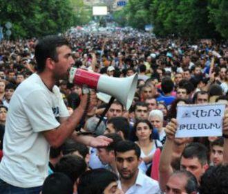 В Ереване вооруженная группировка сдалась властям
