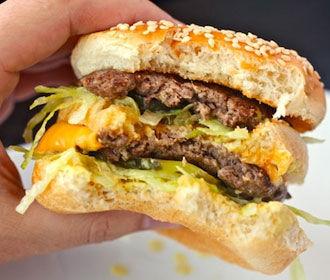 McDonald's внедрил обслуживание столиков в 5 заведениях сети в Украине