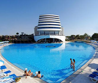 FT: число туристов в Турции упало на 38% в августе
