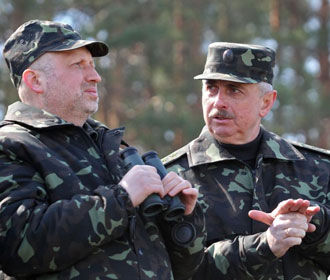 Украина должна быть готова к возможным боевым действиям со стороны РФ – Турчинов