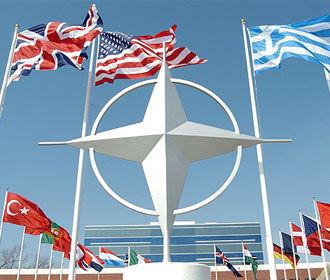 НАТО и Македония подписали протокол о вступлении республики в альянс
