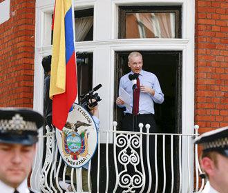 Основателю WikiLeaks отключили интернет