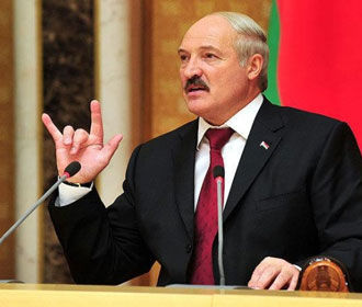Лукашенко предупредил об угрозе Белоруссии с Запада и Востока