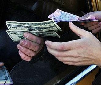 Украинцы увеличили покупку валюты почти в 2 раза