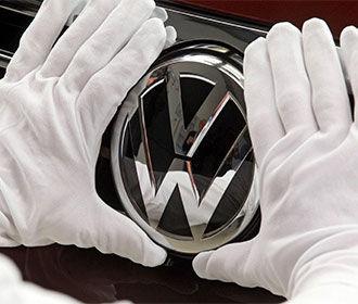Volkswagen выплатит в США рекордные $14,7 млрд