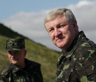 Экс-министр обороны Ежель получил статус беженца в Беларуси