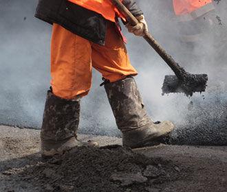 В Киеве строят первый тротуар с подогревом