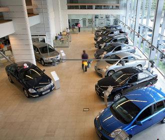 Украинцы стали меньше покупать новые легковых авто