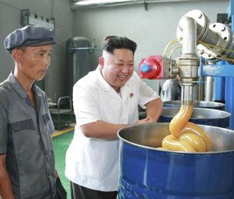 Ким Чен Ын переоделся и устроил разнос подчиненным