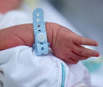 Зеленского призвали ввести обязательную лицензию на рождение детей