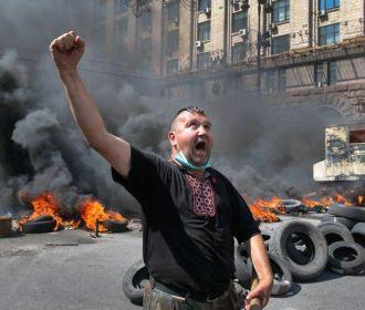 Зеленского просят начинать учебный день в школах и детсадах со сжигания шин