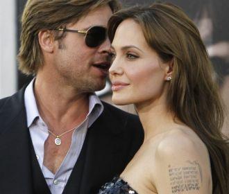 Джоли уходит от Брэда Питта из-за политики