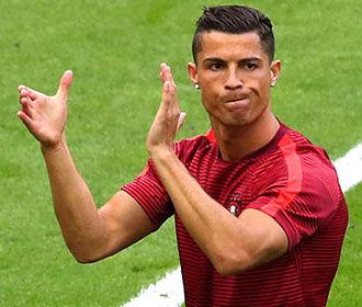 СМИ сообщили о нецензурной брани Роналду в адрес Зидана