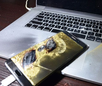 Названы причины взрывов батарей смартфонов