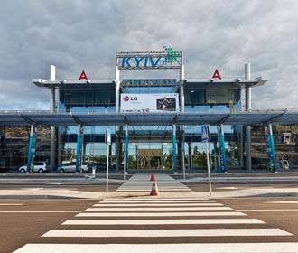 """Пассажиропоток в аэропорту """"Киев"""" вырос более чем вдвое"""