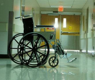 Порошенко одобрил отказ от термина «инвалид»