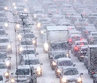 На Украину в ближайшие сутки придет ненастная и снежная погода