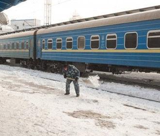 Поезда курсируют по графику, несмотря на снегопады - Укрзализныця