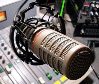 Нацсовет проверит две радиостанции на соблюдение языковых квот