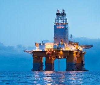 Нефть резко выросла в цене и продолжает дорожать