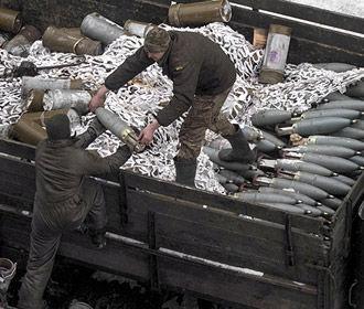 Производство артбоеприпасов больших калибров в Украине станет серийным – Порошенко