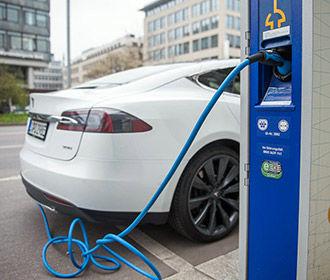 В 2019г сеть Tesla Supercharger распространится на 100% Европы, включая Украину