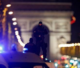 Во Франции простились с убитым учителем Самюэлем Пати