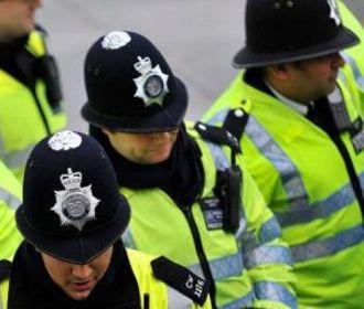 Полиция Англии арестовала четырех человек по подозрению в подготовке терактов