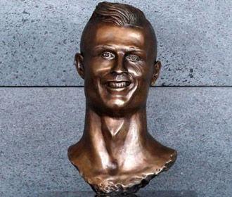 Роналду не попал в топ-10 самых дорогих футболистов мира