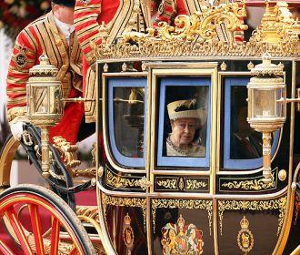 Королева Елизавета ІІ не планирует отказываться от трона - представитель принца Чарльза